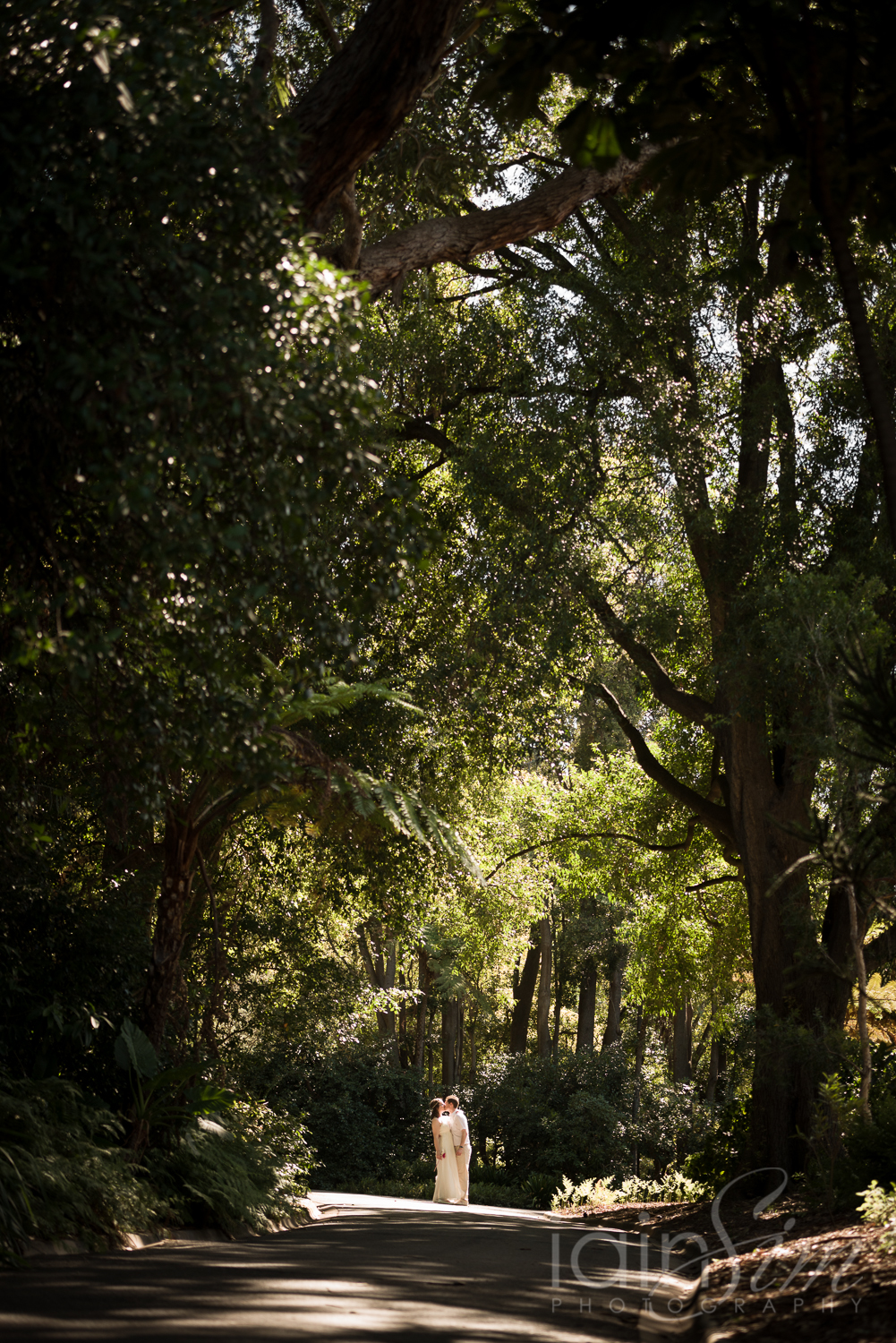 Eloping in the Botanic Gardens by Iain Sim Photography