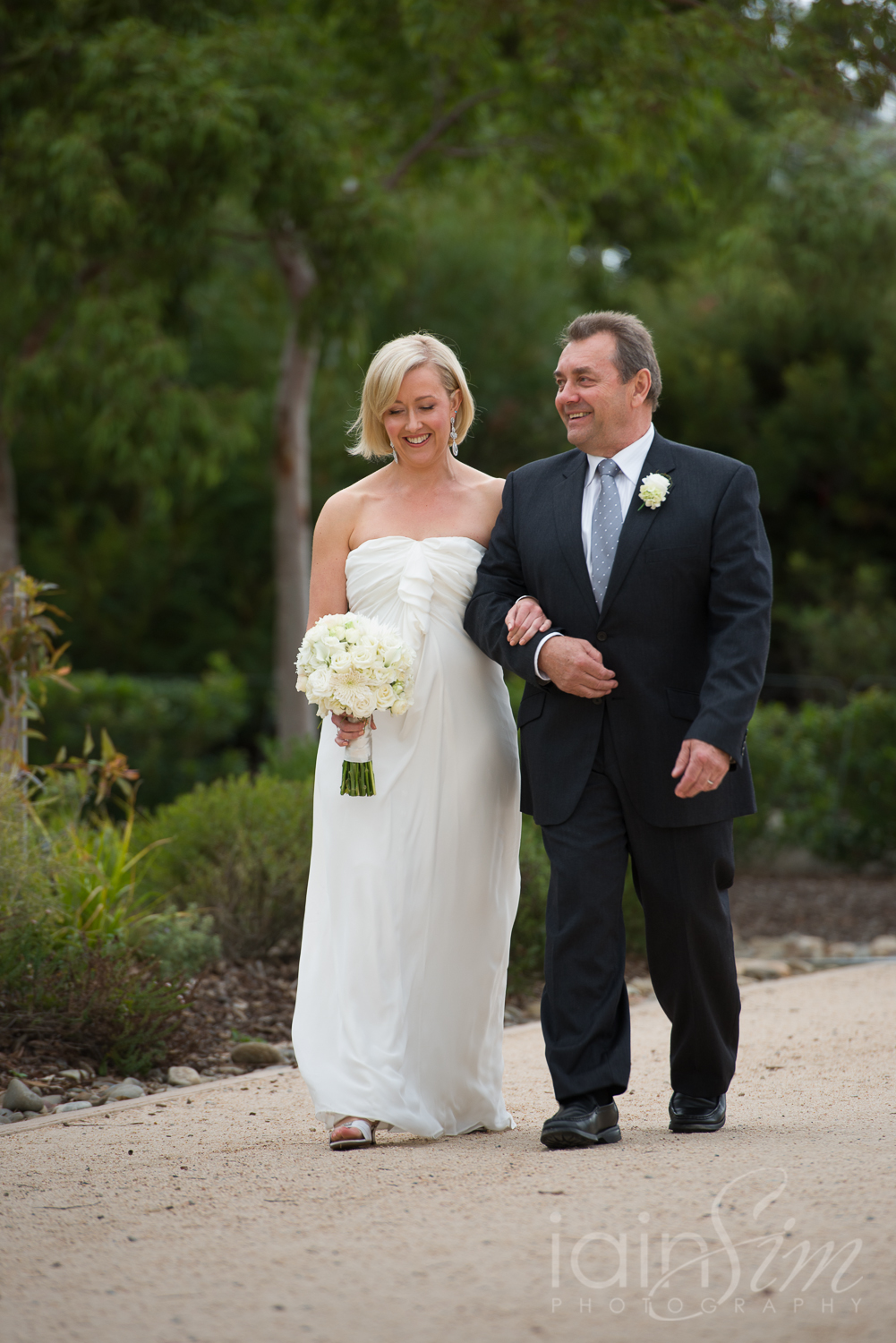 wpid-Bianca-and-Ben-at-Cranbourne-Botanic-Gardnes-by-Iain-Sim-Photography_010.jpg