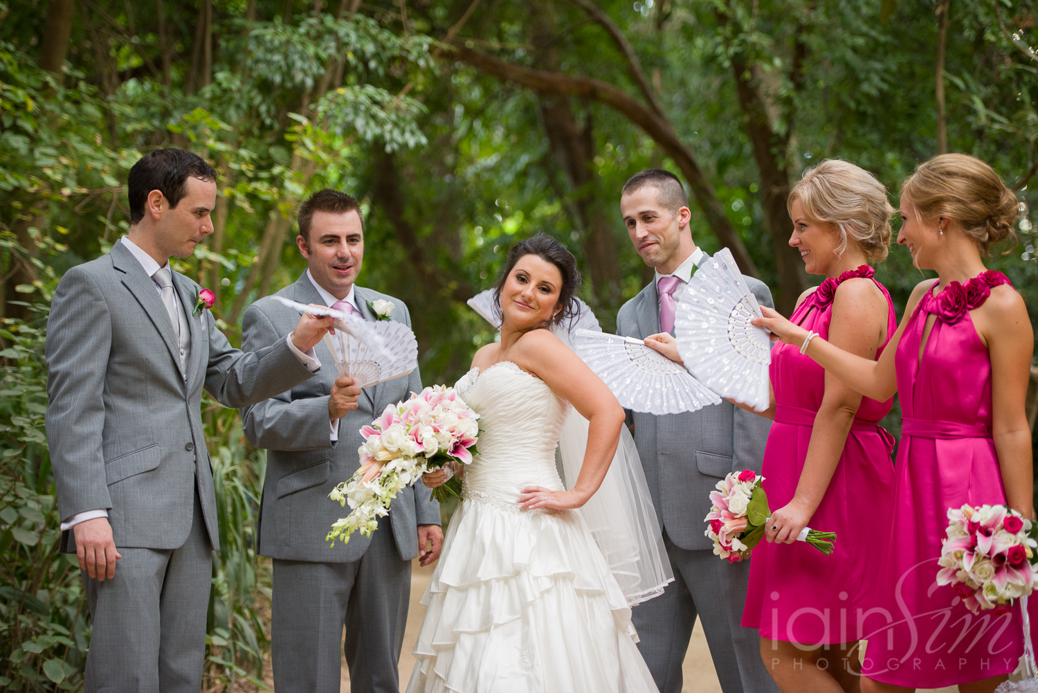 wpid-Narelle-and-Luke-at-the-Melbourne-Zoo-by-Iain-Sim-Photography_027.jpg